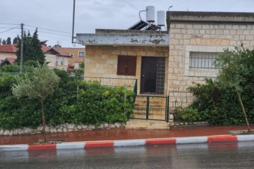"""להשכרה בצפת, פרומצ'נקו   דירת ארבעה חדרים (3 וסלון), 152 מ""""ר – 4,500 ש""""ח"""