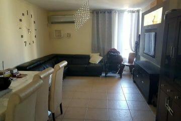 """בגני הדר דירת 3 חדרים, מסודרת ויפה, צופה לנוף הרי מירון. מחיר מבוקש: 600,000 ש""""ח גמיש."""