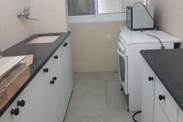 """באצ""""ל דירת 3 חדרים, משופצת ויפה, מרוהטת קומפלט, מיזוג. מחיר: 2,100 ש""""ח"""